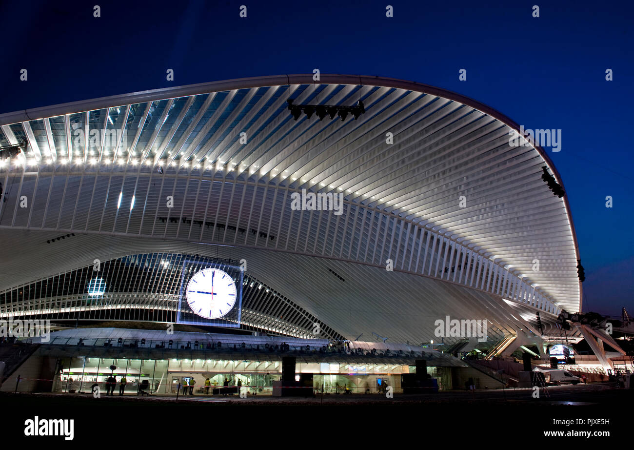 Final rehearsals of Franco Dragone's Gare A Vous spectacular show for the opening of the new Guillemins TGV railway station in Liège (Belgium, 17/09/2 Stock Photo