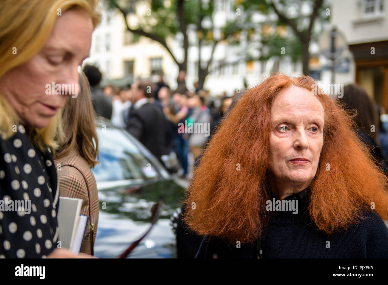 Former model and the creative director at large of American Vogue magazine Grace Coddington depasrts on Day Six for Paris Fashion Week Spring/Summer 2017 Collection shows on October 02, 2016, in Paris, France. - Stock Image