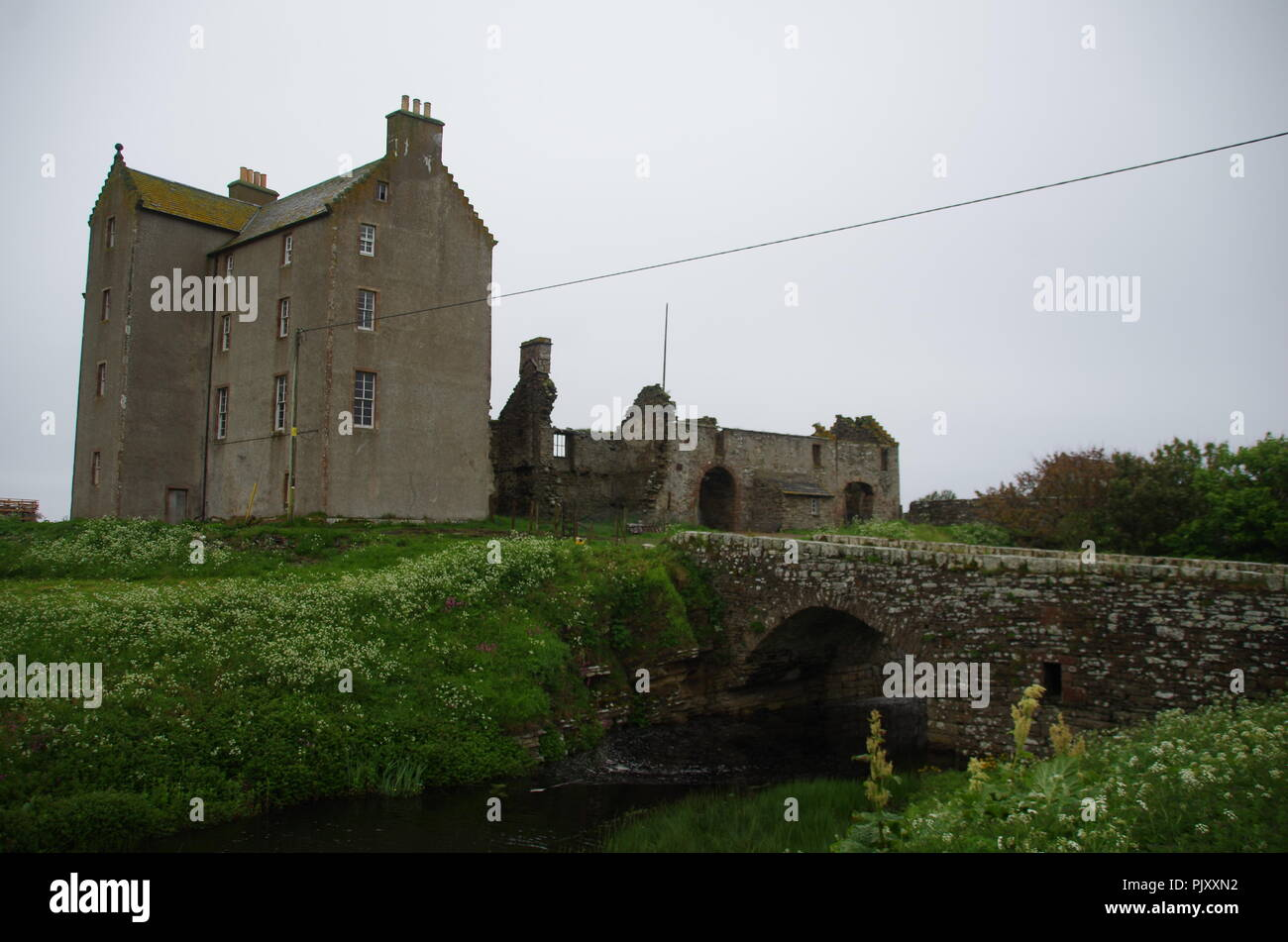 Freswick Castle. Freswick Bay. Freswick. John o' groats (Duncansby head) to lands end. Cornwall. End to end trail. Caithness. Scotland. UK - Stock Image