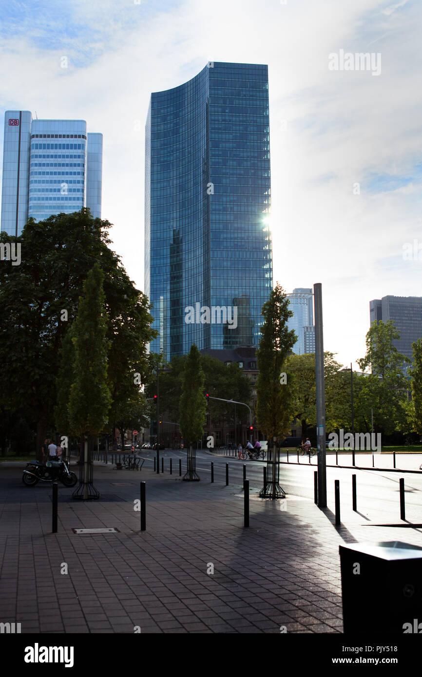 Europa Deutschland Hessen Rhein-Main Frankfurt Skyline Sommer 2018  Silvertower - Stock Image