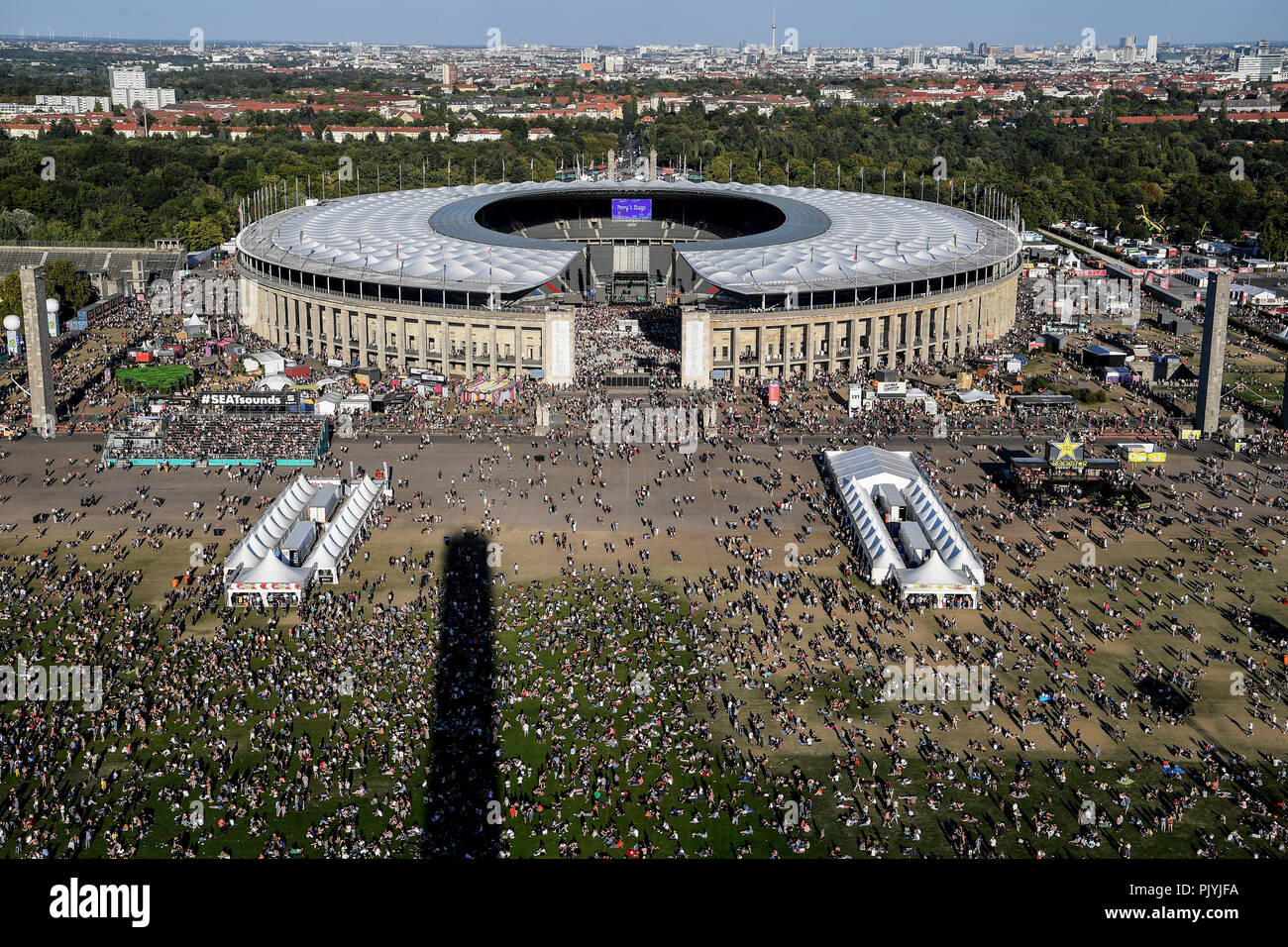 Berlin, Germany. 09th Sep, 2018. The music festival Lollapalooza takes place on the grounds of the Olympic Park. Credit: Britta Pedersen/dpa/Alamy Live News - Stock Image