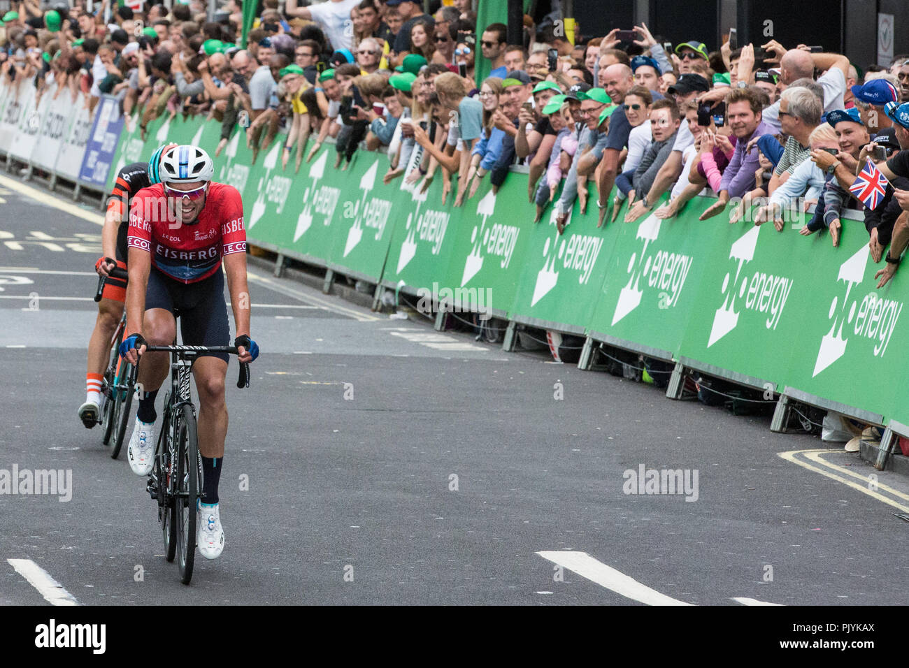 London, UK. 9th September, 2018. Canyon Eisberg's Alex Paton wins the Eisberg Sprints Jersey from Madison Genesis's Matt Holmes in a close finish following the 77km London Stage (Stage 8) of the OVO Energy Tour of Britain cycle race. Credit: Mark Kerrison/Alamy Live News - Stock Image
