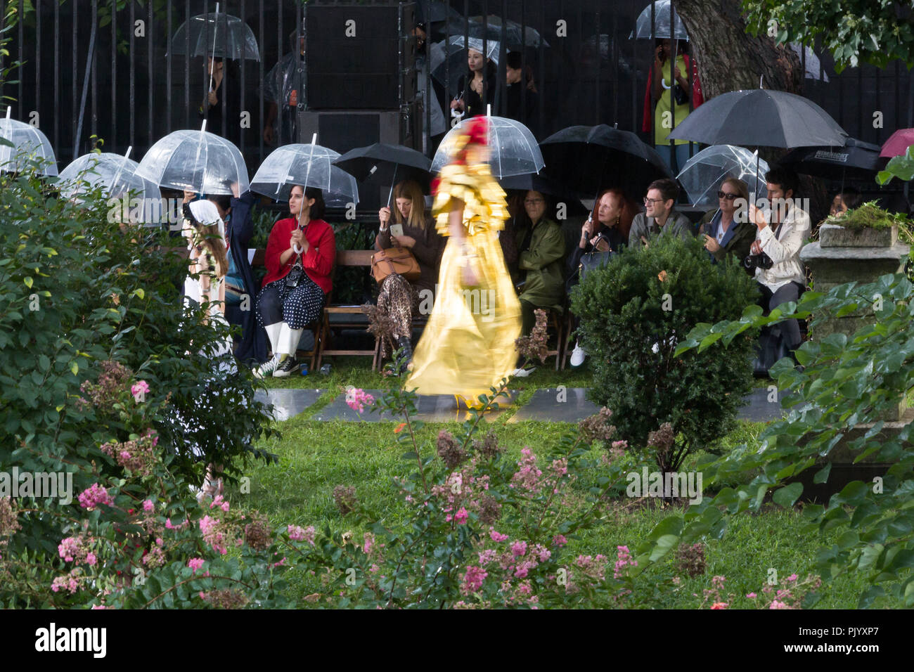 New York, New York, USA. 9th Sep, 2018. Grace Coddington and others watch the Rodarte Fall Fashion Show, New York City Marble Cemetery, New York, September 9, 2018. Credit: Beowulf Sheehan/ZUMA Wire/Alamy Live News - Stock Image