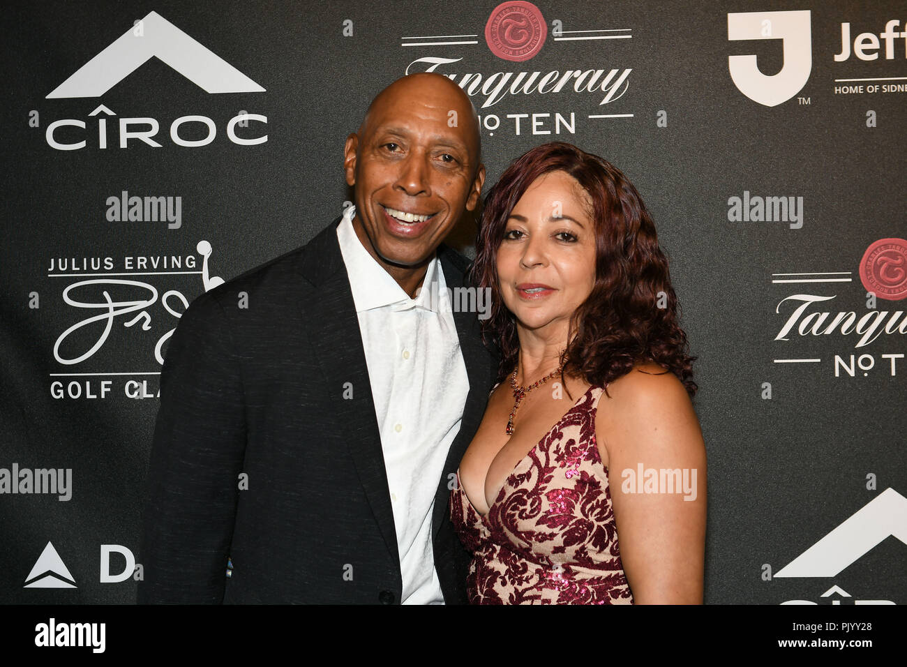 Julius Erving And Wife Stock Photos & Julius Erving And Wife