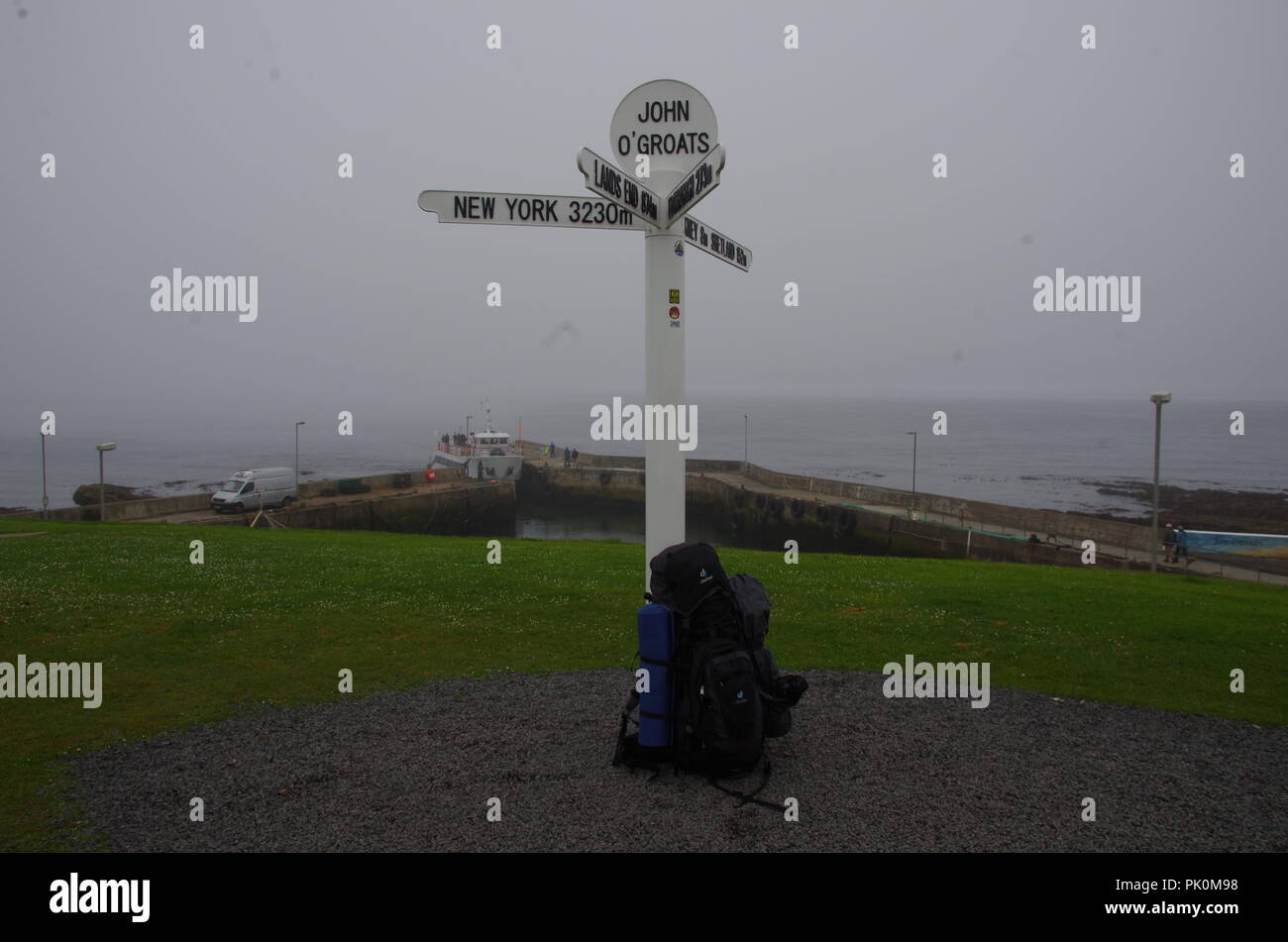The start of a long hike free sign. John o' groats (Duncansby head) to lands end. Cornwall. End to end trail. Caithness. Highlands. Scotland. UK - Stock Image