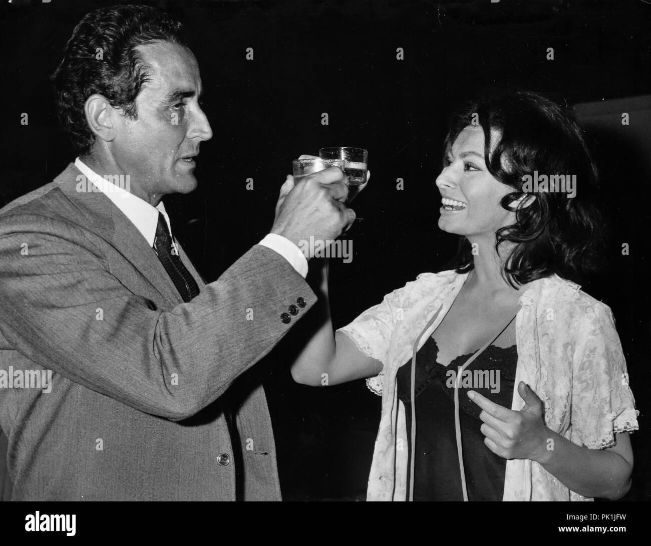 Vittorio Gassman Sophia Loren 60s Stock Photo Alamy
