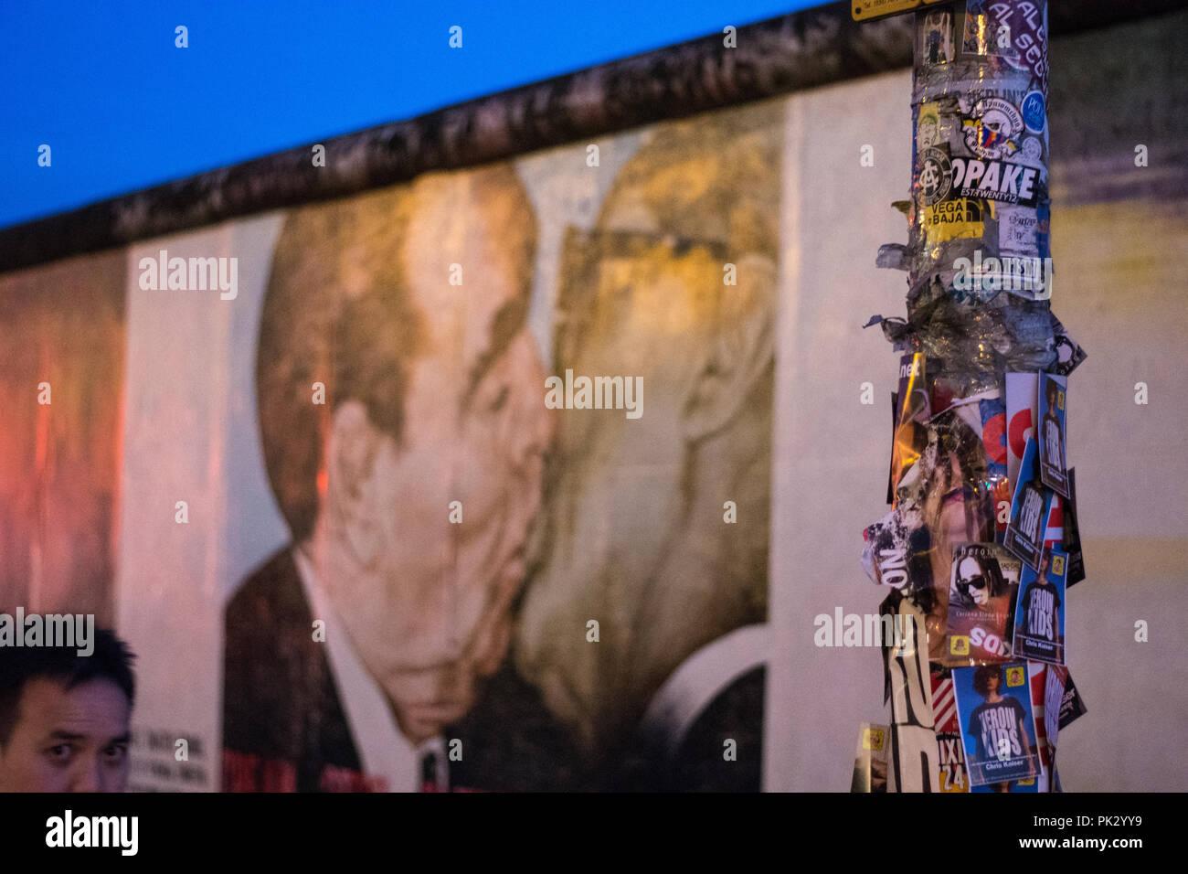 East side gallery love president, Berlin east - Stock Image