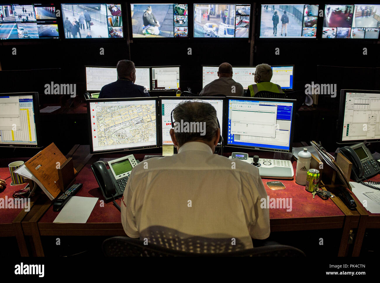 Photograph by Ian Georgeson, 07921 567360 Lothian Buses CCTV control room at Annandale Street, Bus depot, The CCTV is  the same system operated by Edi - Stock Image