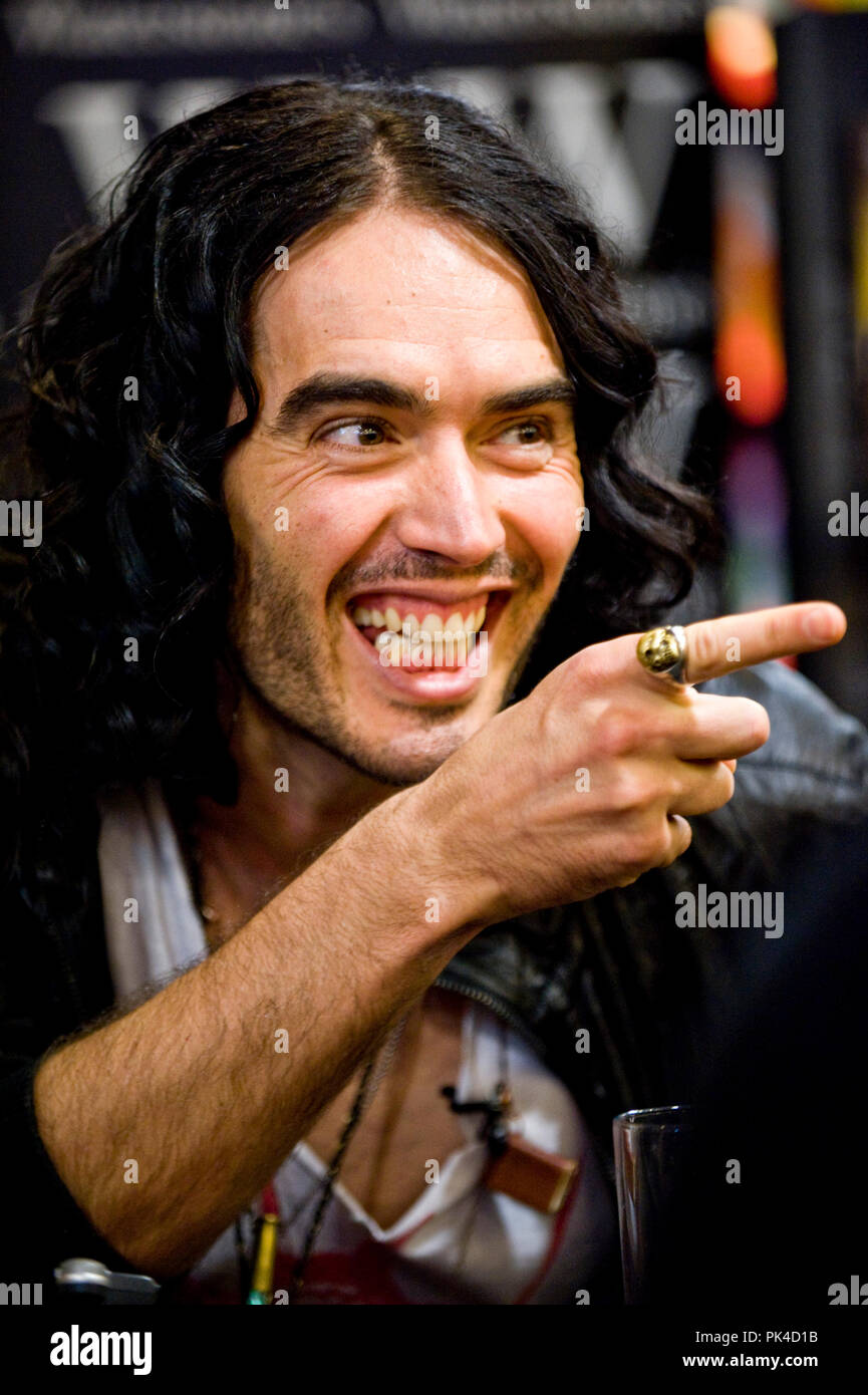 Ian Georgeson 07921 567360 Russell Brand at his Edinburgh, Waterstones, Ocean terminal book signing for the launch of his new autobiography 'Booky Woo - Stock Image