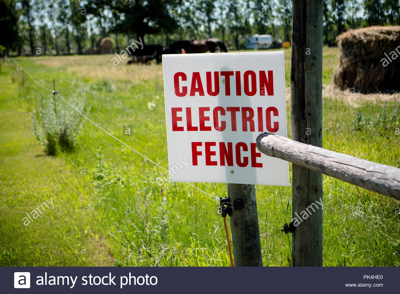Electric Farm Fence Warning Signs Great Installation Of Wiring Energizer Diagram There Is An Sign On The Stock Photo Rh Alamy Com Adult Diy