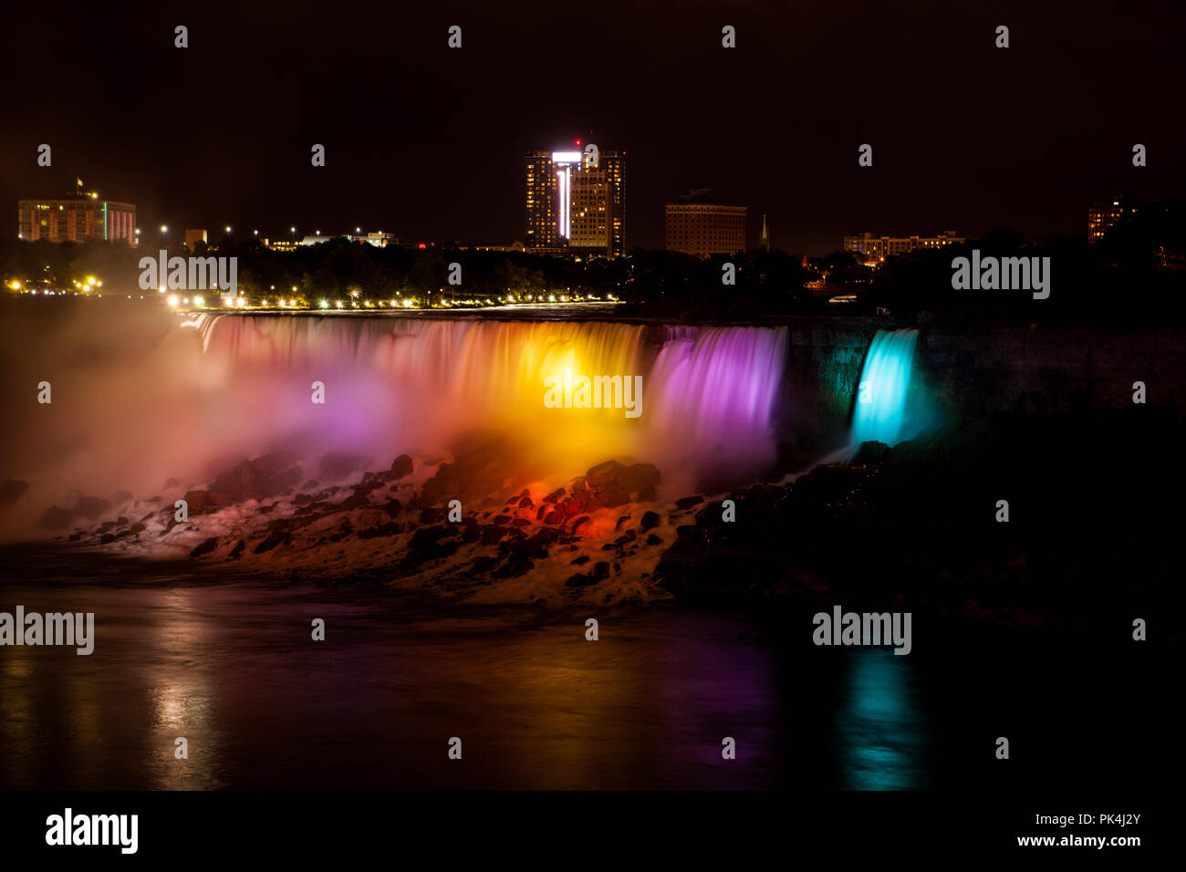Beleuchtete Niagara Falls - Stock Image