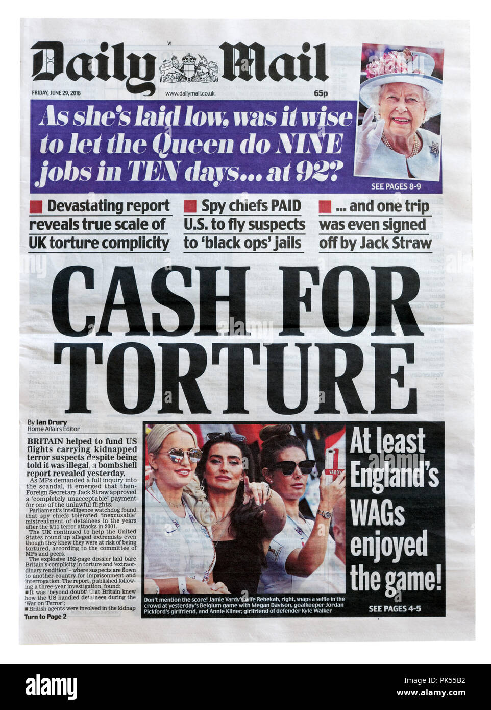 Front page of the Daily Mail with the headline Cash For Torture, outlining British complicity in extraordinary renditions of terror suspects to USA - Stock Image