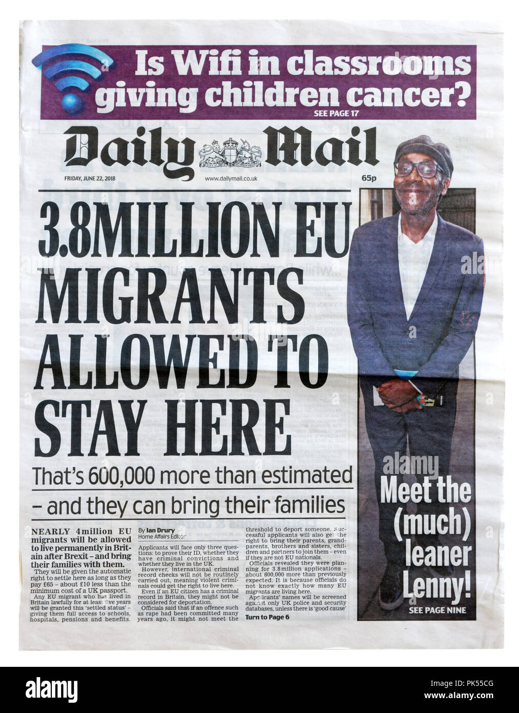 Front page of the Daily Mail with the headline 3.8 Million EU Migrants Allowed to Stay Here, about the numbers of migrants in the UK - Stock Image