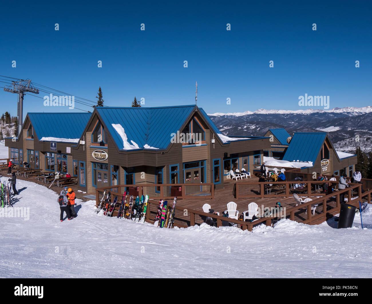 Vista Haus day lodge and restaurant atop Peak 8, Breckenridge Ski Resort, Breckenridge, Colorado. - Stock Image