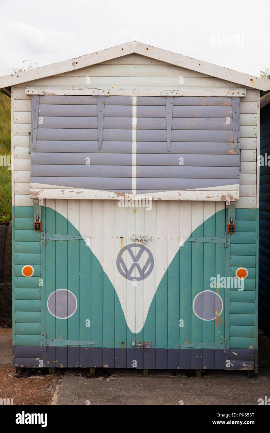 Beach hut painted to look like a VW camper van, Minnis Bay, near Birchington, Kent, UK - Stock Image