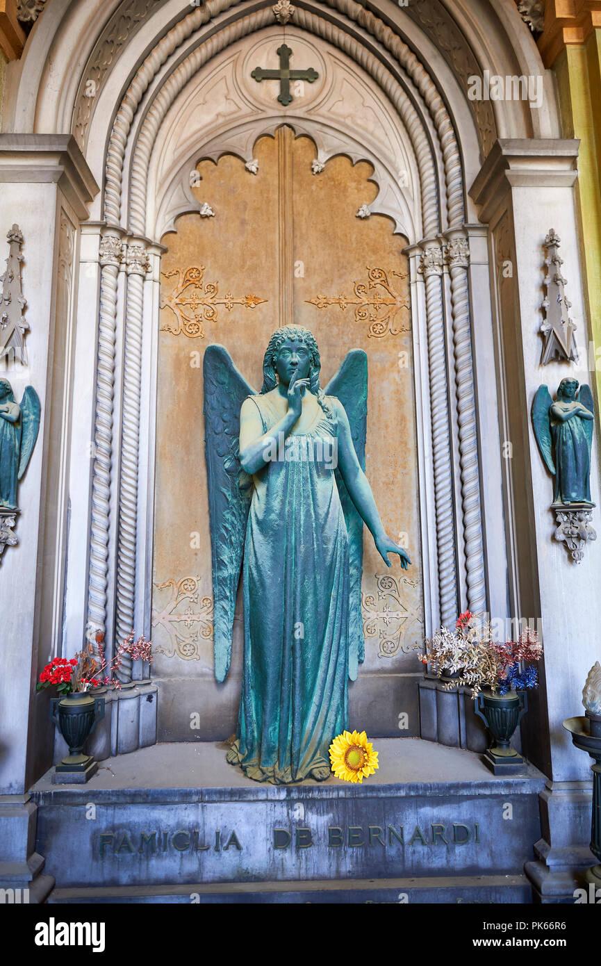 Pictures of a bronze sculptured angel,  monumental De Bernardi tomb, Staglieno Monumental Cemetery, Genoa, Italy - Stock Image