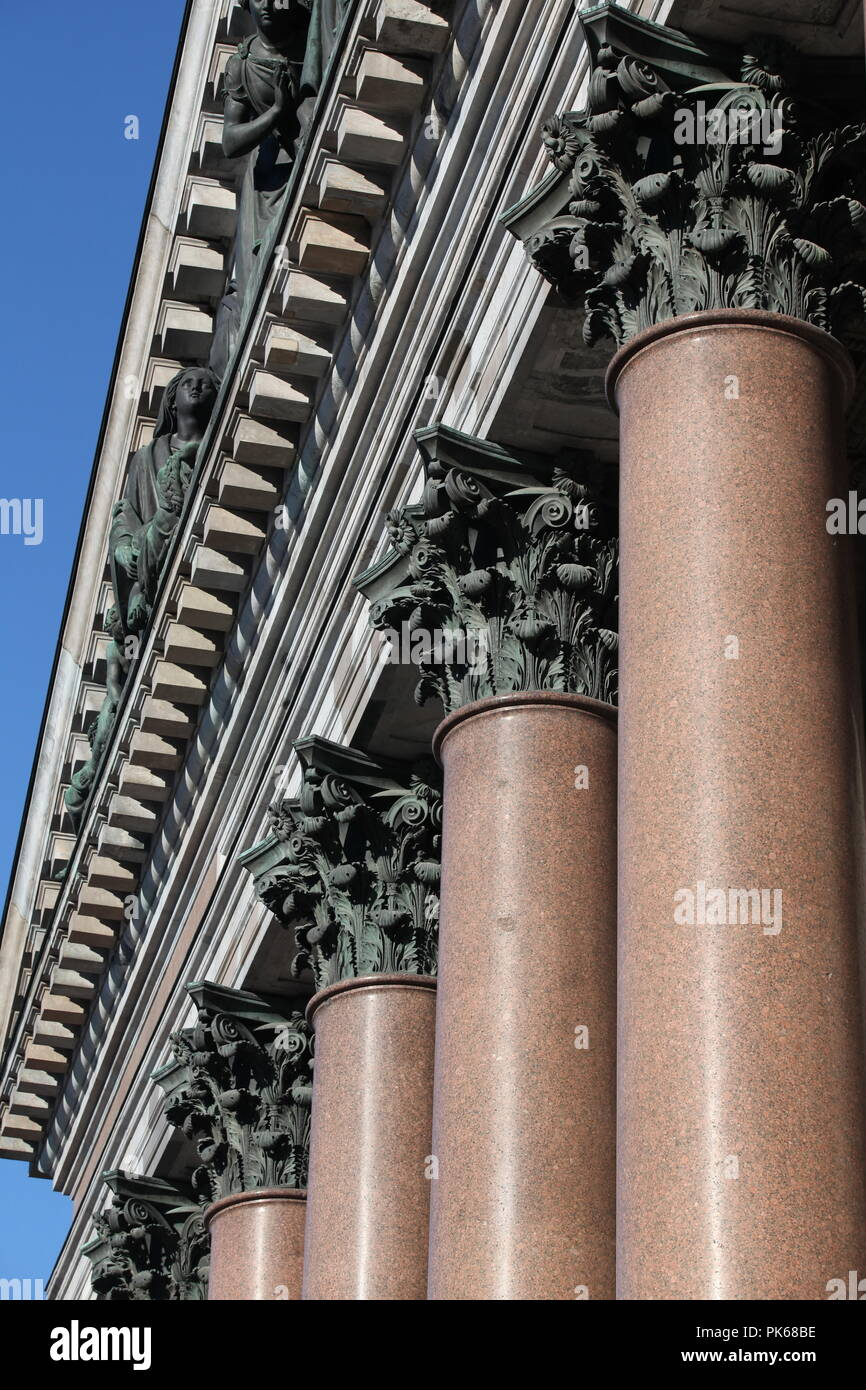 columns with portico on background blue sky - Stock Image