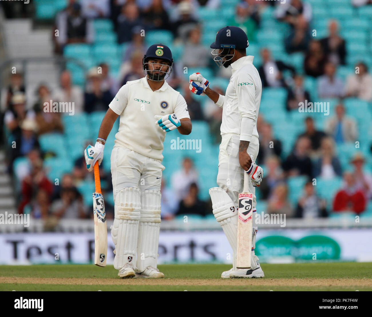 Kia Oval, London, UK. 11th Sep, 2018. Specsavers International Test Match Cricket, 5th test, day 5; KL Rahul and Rishabh Pant congratulate each other on reaching their two hundred partnership Credit: Action Plus Sports/Alamy Live News - Stock Image