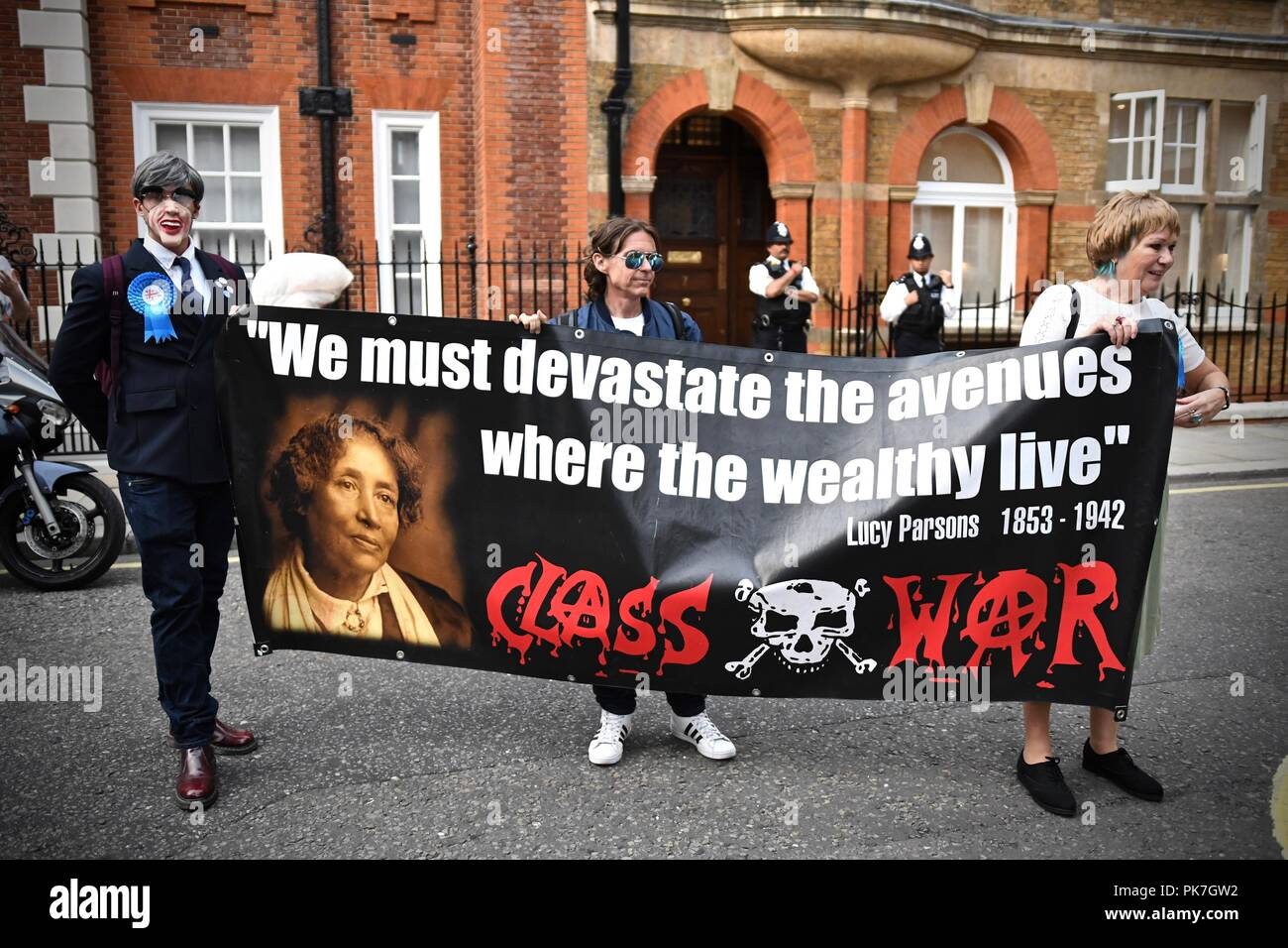 Westminster London United Kingdom - 11th September 2018 - Class War protest outside the Westminster home of Jacob Rees Mogg Credit: Stuart Mitchell/Alamy Live News - Stock Image