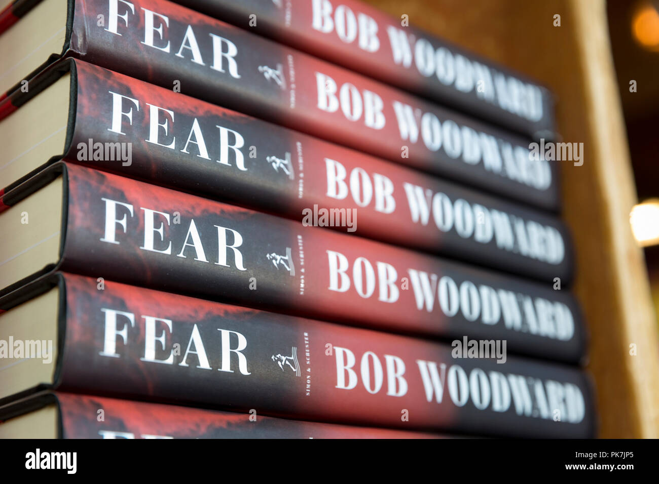 Seattle Washington: Bob Woodward's book 'Fear: Trump in the White House' on sale at Elliott Bay Book Company on September 11, 2018. Woodward interviewed many members of the Trump administration for the newly published book, ultimately concluding that the white house is chaotic and dysfunctional. A respected journalist for decades, Woodward was first made famous for his reporting on the Watergate scandal in 1972. - Stock Image