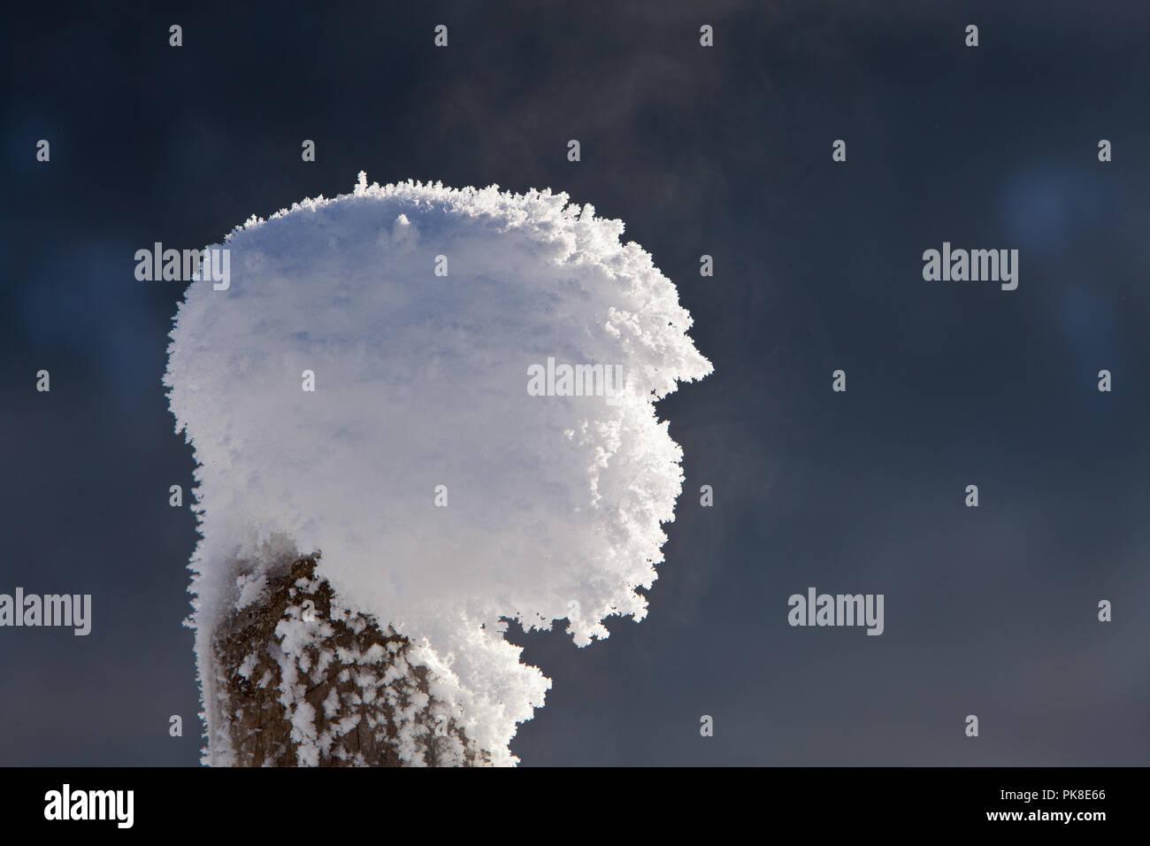 Kalter Wintermorgen an der Salzach, Pinzgau, Österreich Stock Photo