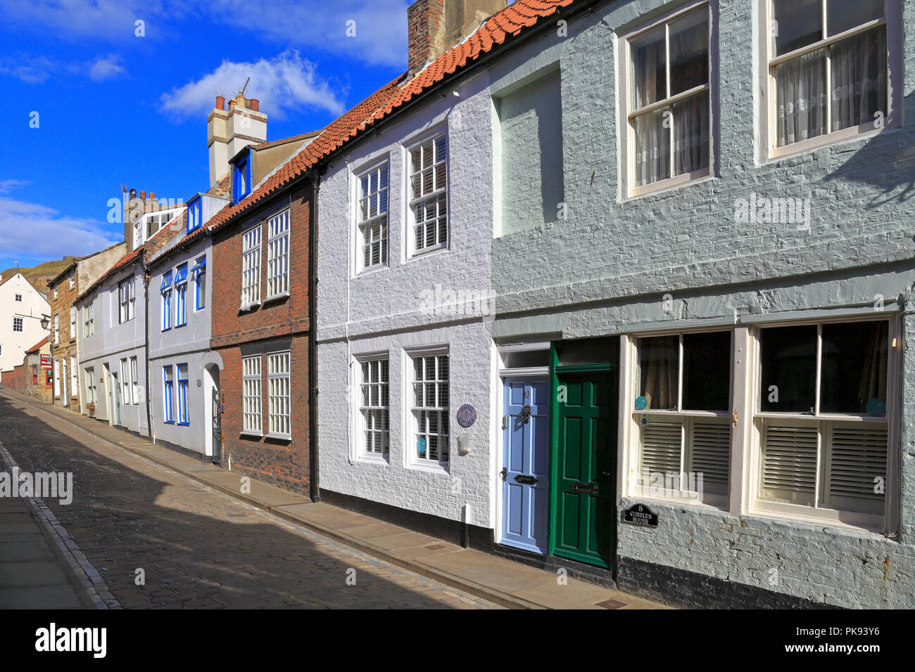 Wondrous Holiday Cottages On Cobbled Henrietta Street Whitby North Home Interior And Landscaping Oversignezvosmurscom
