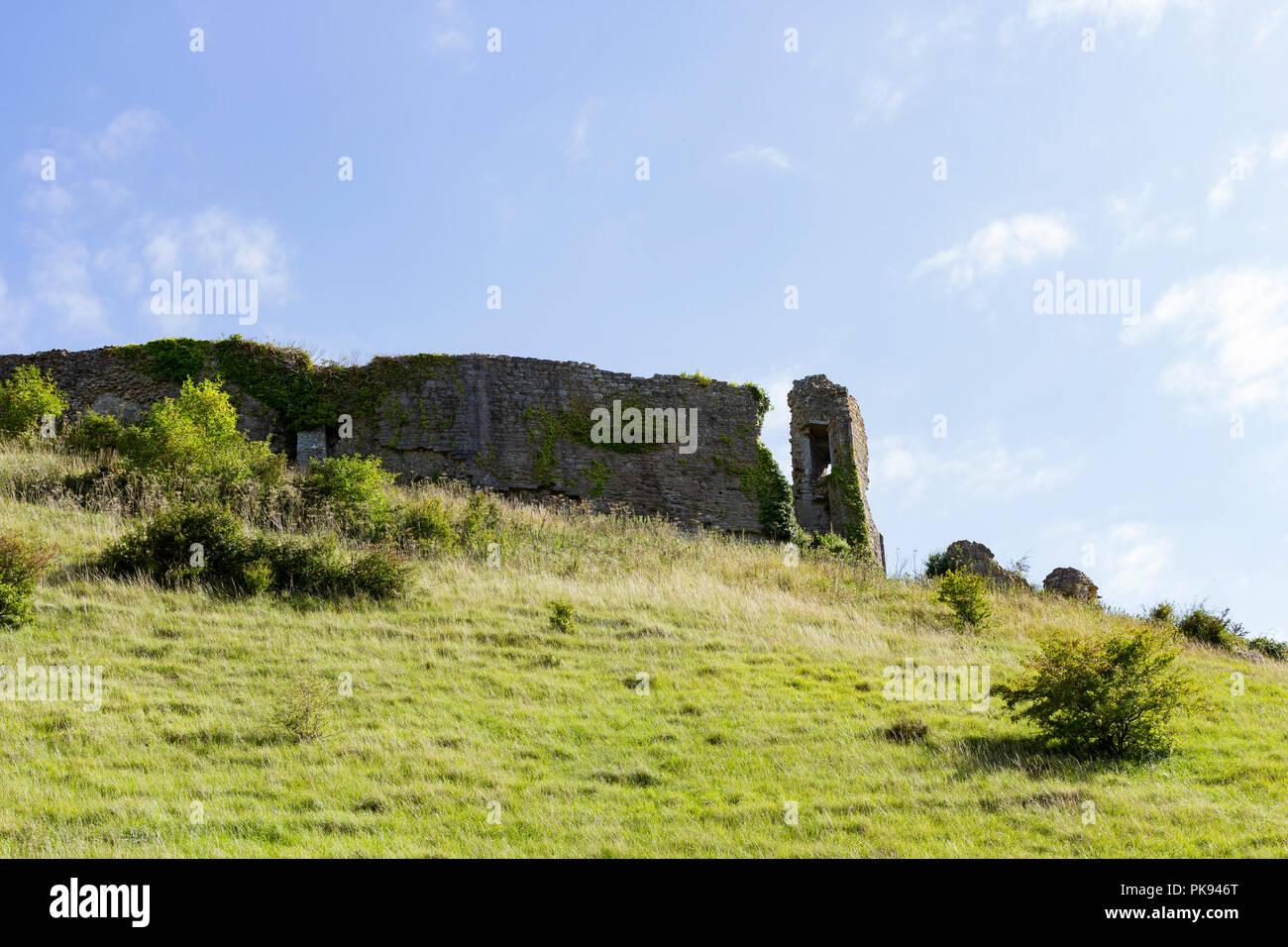 Corfe Castle ruins, Dorset, UK - Stock Image