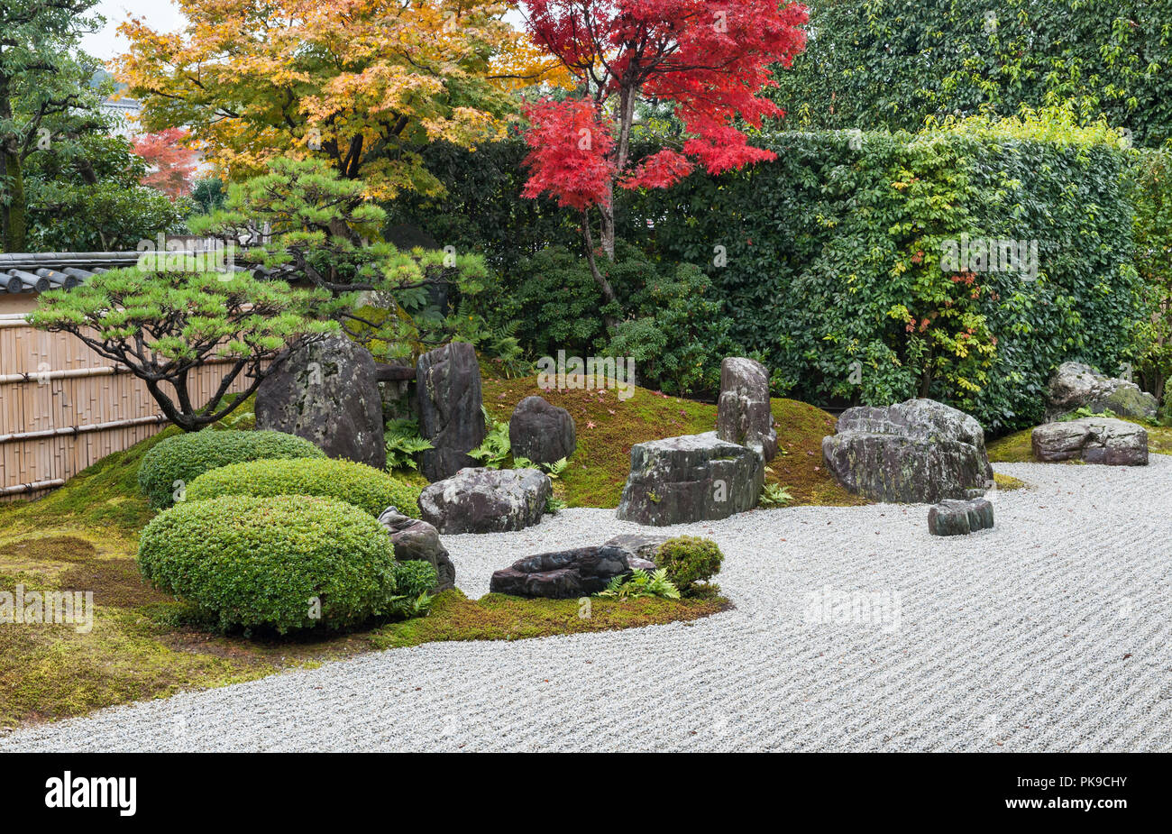 Daitoku-ji, Kyoto, Japan. The gardens of Korin-in zen temple, founded in 1520. The garden represents an idealised Chinese landscape - Stock Image