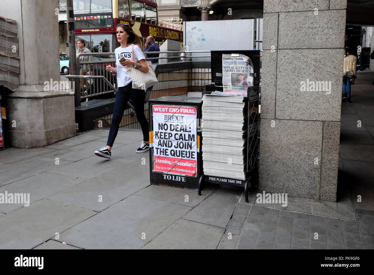 Evening Standard newspaper headlines on newsstand poster 'Brexit - NO DEAL KEEP CALM AND JOIN THE QUEUE'   23 August 2018 in London, England UK - Stock Image