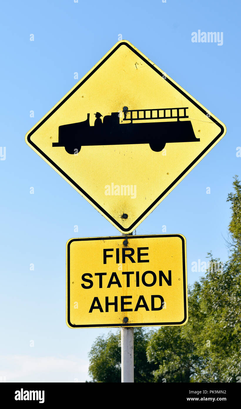 Fire station ahead sign, Union City, California - Stock Image