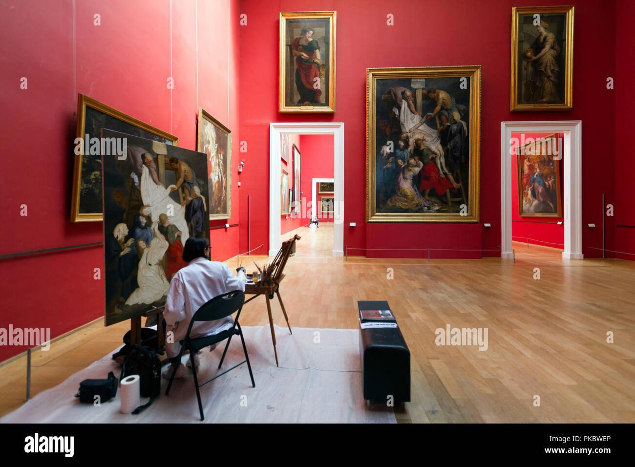 Copie de « La Descente de Croix » de Rubens, réalisée au Palais des Beaux-Arts de Lille devant l'oeuvre originale. - Stock Image