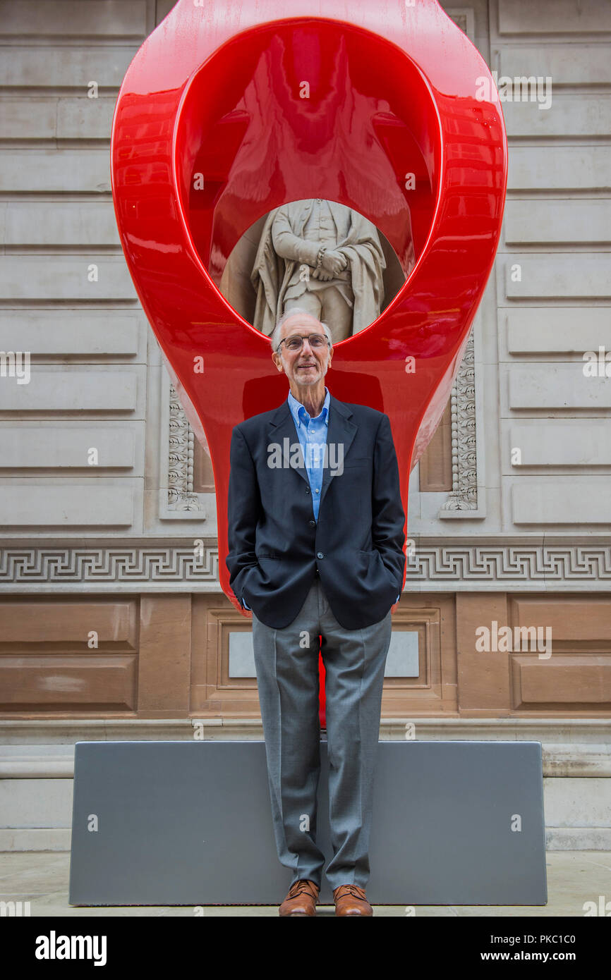 London, UK. 12th Sep, 2018. Renzo Piano with a full size copy of a 'gerberett' from the Pompidou Centre - Renzo Piano: The Art of Making Buildings in the Gabrielle Jungels-Winkler Galleries of the Royal Academy of Arts. Piano is an architect and Honorary Royal Academicianand this is the first comprehensive survey of hiss career to be held in London since 1989 - forming part of the 250th anniversary of the Royal Academy. Credit: Guy Bell/Alamy Live News - Stock Image