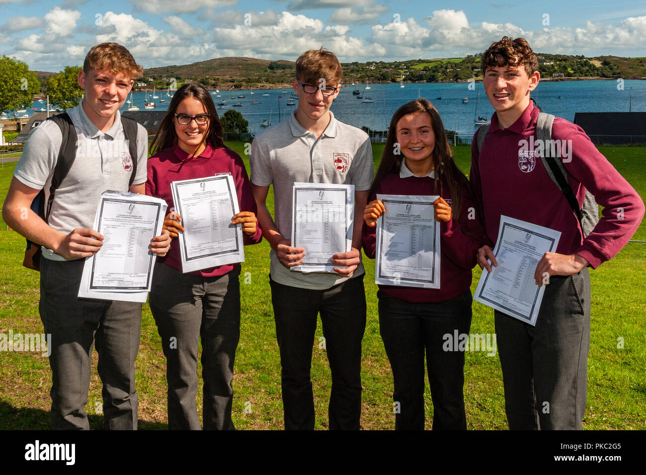 Schull, West Cork, Ireland. 12th Sept, 2018.  Over 62,500 students received their Junior Cert results today. Pictured with their results are Tiernan Collins, Laura Guynolan, Matthew Sheehan. Laura Kennedy and Dan Arundel-McSweeney. Credit: Andy Gibson/Alamy Live News. - Stock Image