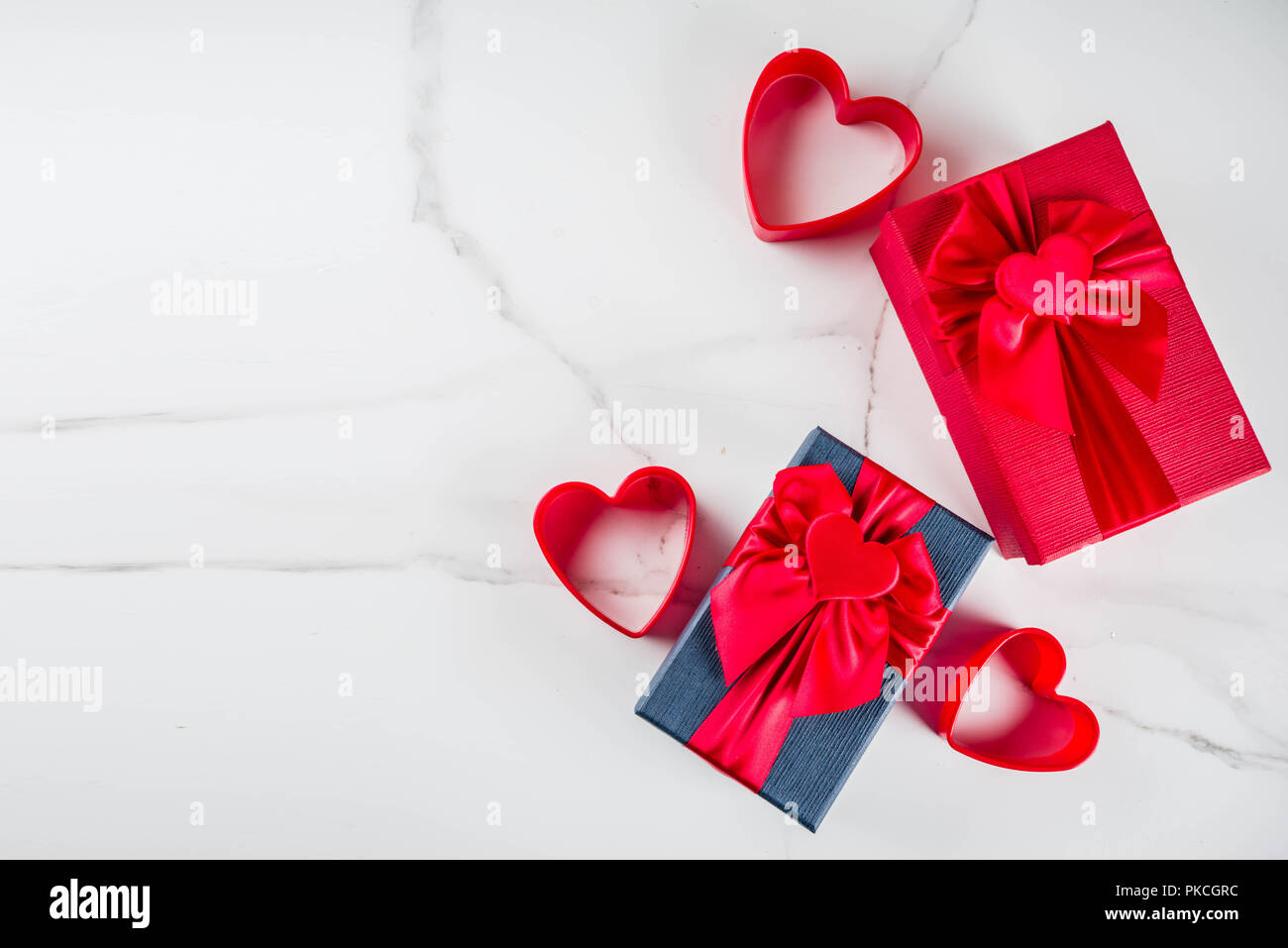 Romantic Valentine S Gift Boxes With Heart Tied Ribbons Decoration