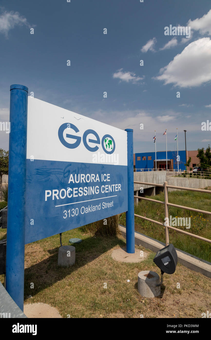 Aurora, Colorado - An immigrant detention facility operated by the privately-owned GEO Group for U.S. Immigration and Customs Enforcement (ICE). - Stock Image
