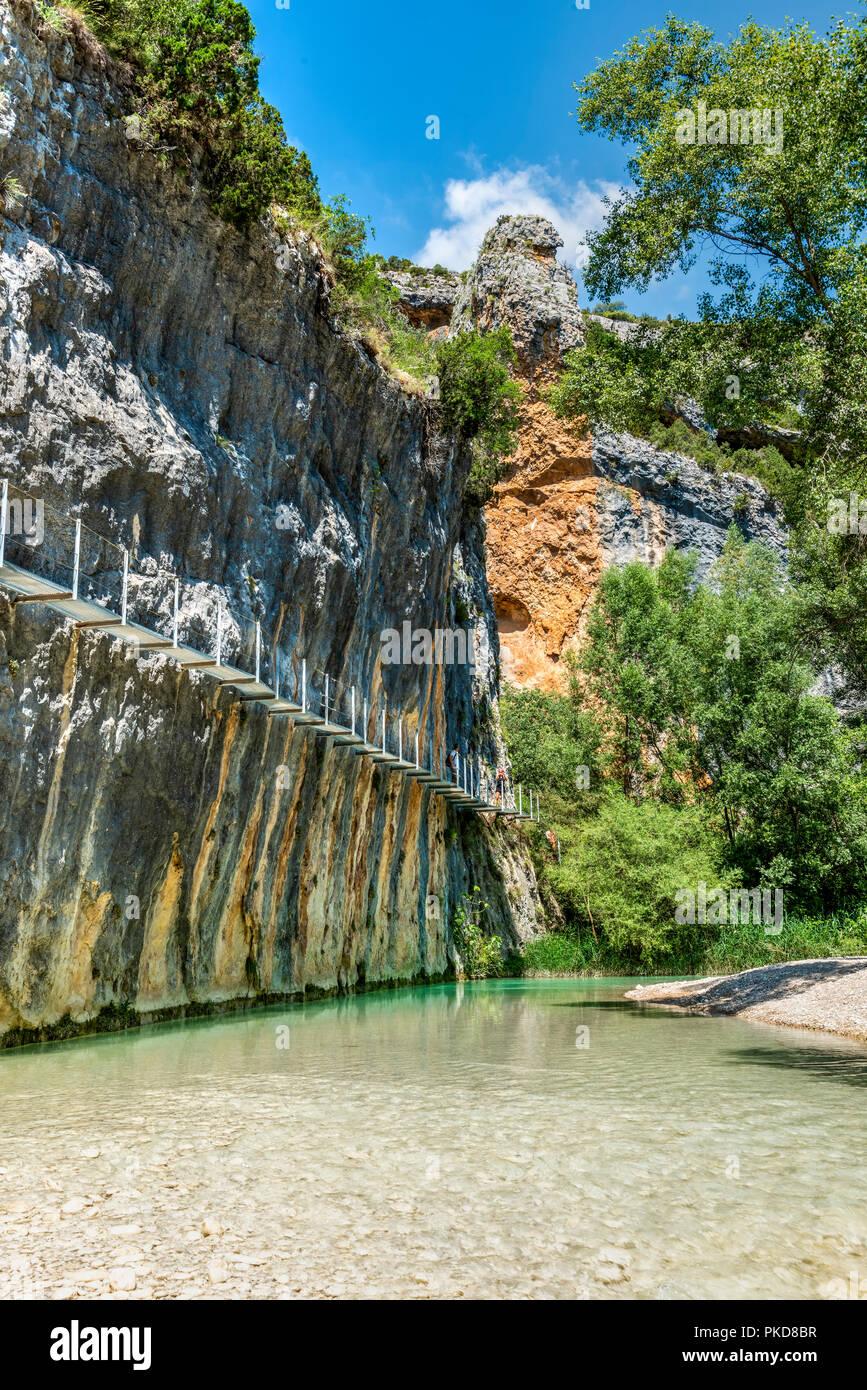 Footbridge along the Ruta De Las Pasarelas footbridge route, Rio Vero gorge, Alquezar, Aragon, Spain - Stock Image