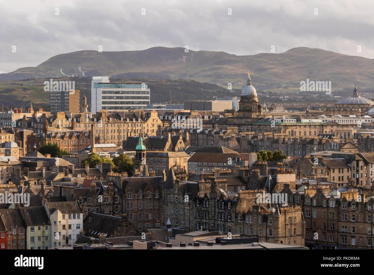 Edinburgh University Old College and the Pentlands, Skyline Scotland - Stock Image