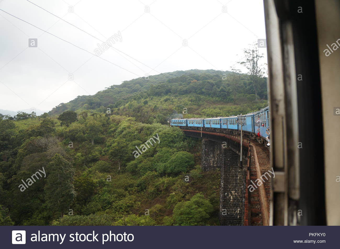 On the way between kandy and ella in Sri Lanka. Travel by train is recommended here! - Stock Image