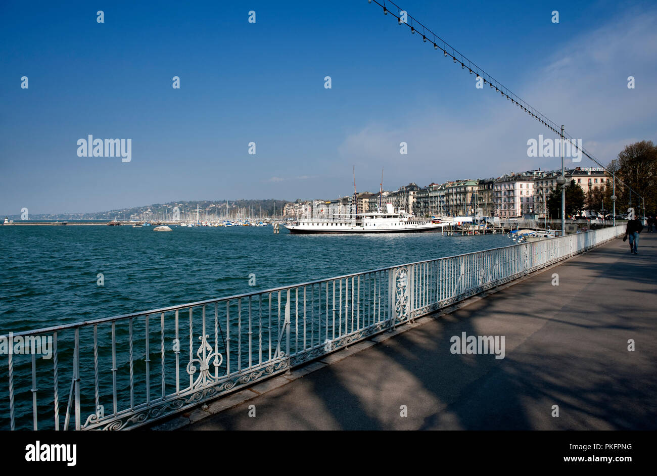 The Promenadu du Lac along the Leman lake in Geneva (Switzerland, 16/04/2010) - Stock Image