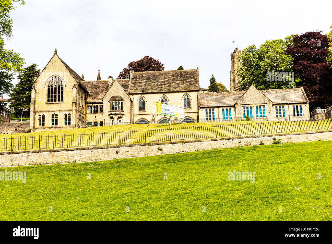 Richmond Old Grammar School, the old grammar school richmond, Richmondshire, Building Preservation, closed schools UK, schools closing, empty, unused - Stock Image