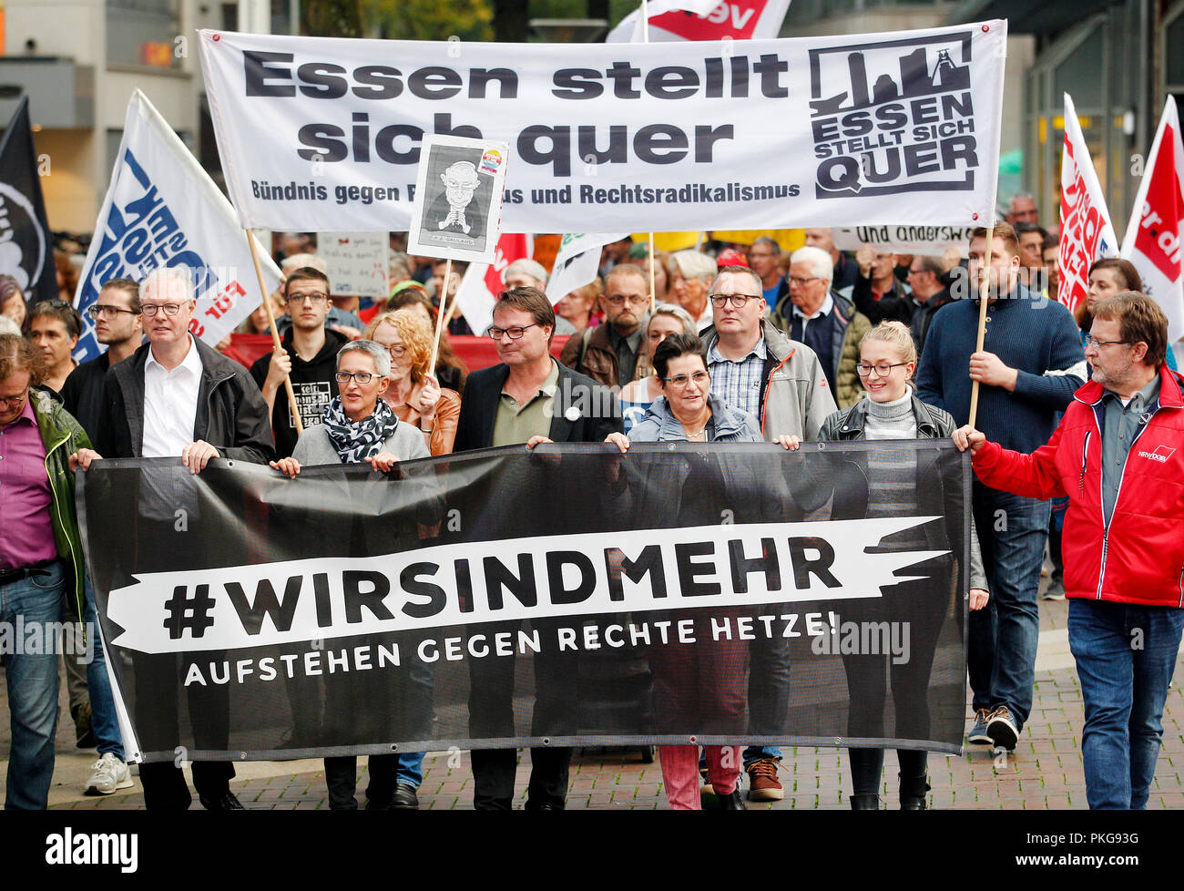 """13 September 2018, North Rhine-Westphalia, Essen: 13 September 2018, Germany, Essen: Demonstrators protest under the motto """"#WIRSINDMEHR - Standing up against right-wing agitation"""". The left-wing alliance has called for participation """"Essen resists"""". The reason is the xenophobic marches in Chemnitz. Photo: Roland Weihrauch/dpa Stock Photo"""
