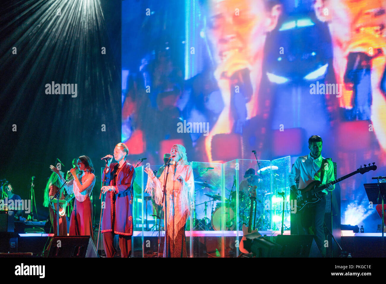 Southbank, London, UK. 13th Sep 2018. La Roux performing with Whyte Horses on stage at the Festival Hall, Southbank, in London. Photo date: Thursday, September 13, 2018. Photo: Roger Garfield/Alamy Credit: Roger Garfield/Alamy Live News Stock Photo