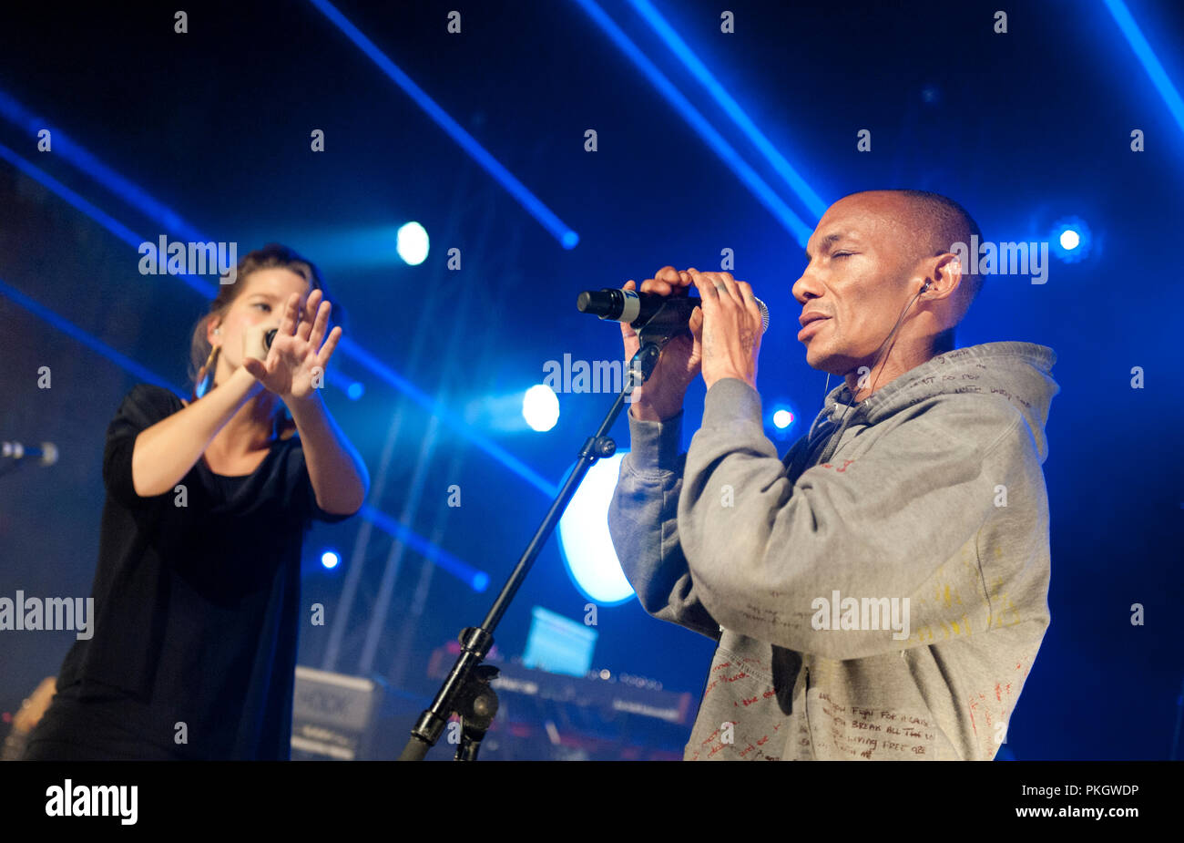 English producer and vocalist Tricky performing with Belgian singer Selah Sue at the Radio 1 Sessies, in Antwerp (Belgium, 18/11/2015) - Stock Image