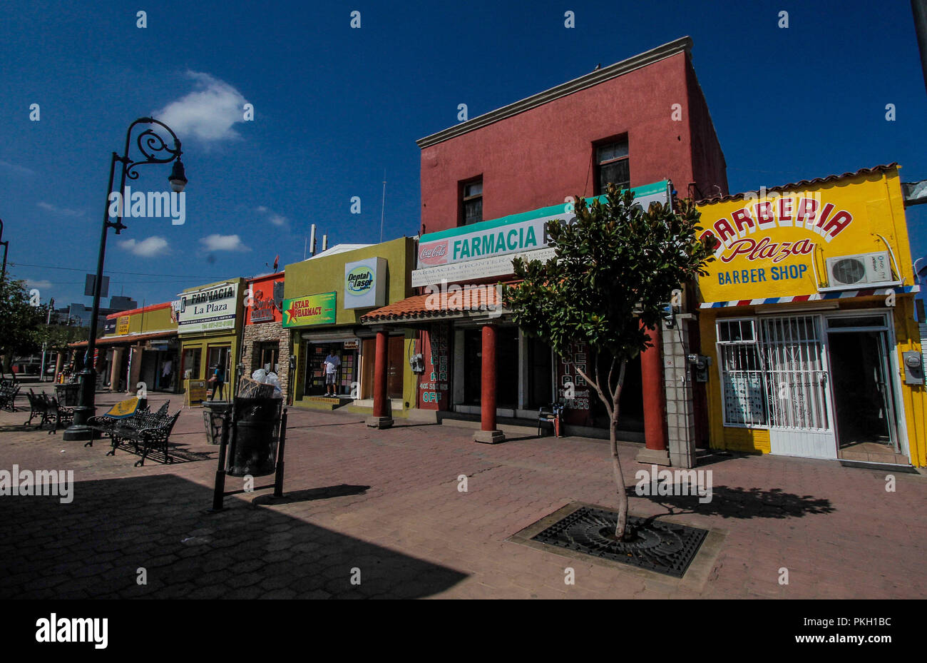 Daily Life And Around The Wall In The Border City Of Nogales Sonora Mexico Arizona Luisgutierrez Nortephoto Com Stock Photo Alamy
