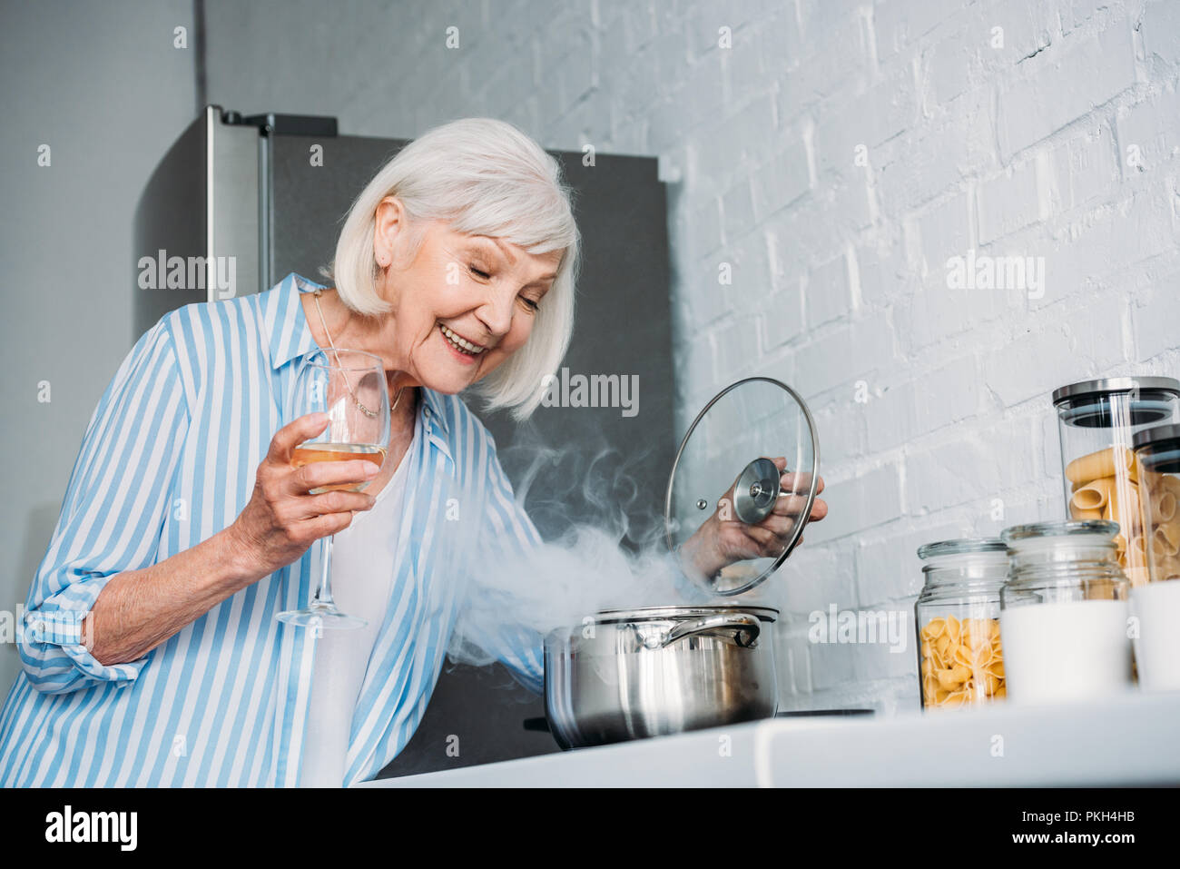 Old Lady Cooking Stock Photos & Old Lady Cooking Stock Images - Page ...