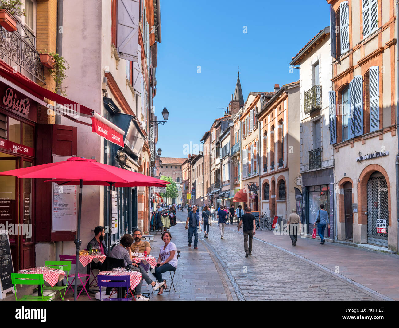 Shops and cafes on Rue du Taur, Toulouse, Languedoc, France - Stock Image