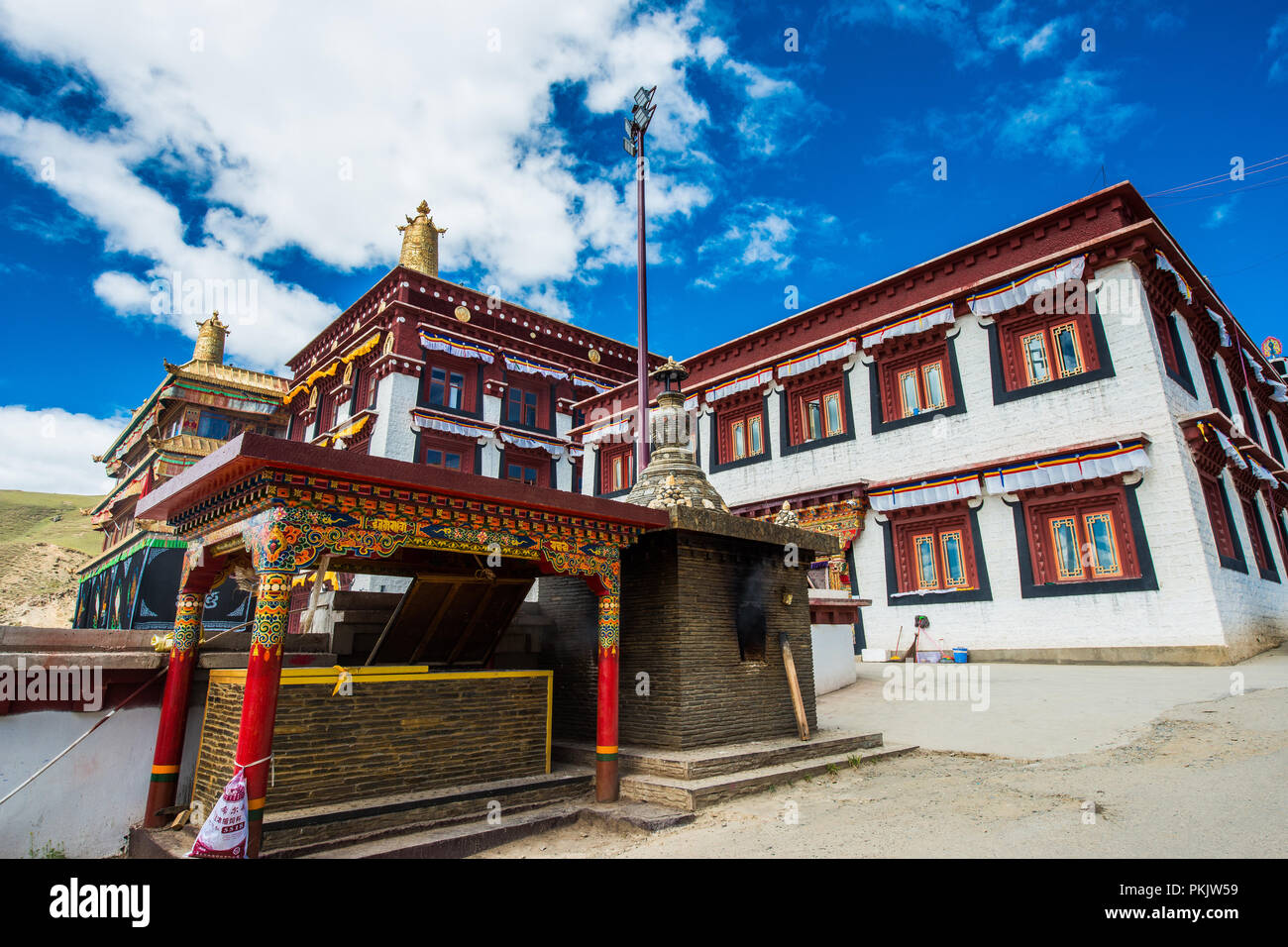 Sichuan province ganzizhou litang county youth cole temple - Stock Image