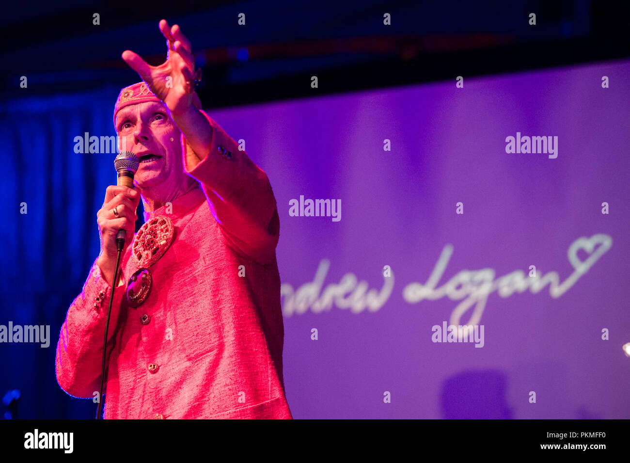 Andrew Logan:  English eccentric, sculptor, jeweller and performance artist,  founder of The Alternative Miss World, appearing at the Aberration Alternative Village Show Aberystwyth Arts Centre, Wales UK, Augusr 2018 - Stock Image