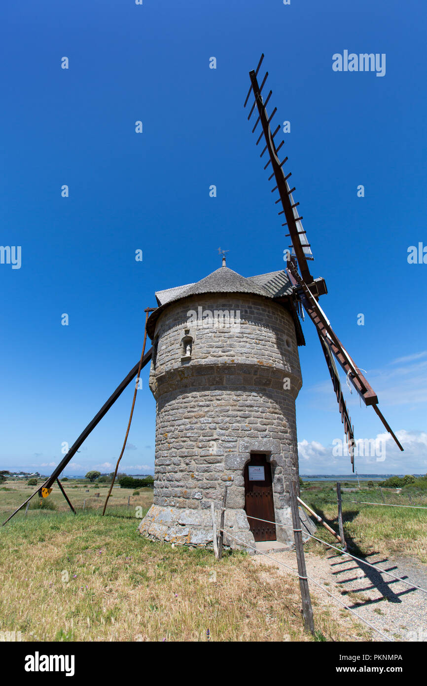 Batz-sur-Mer, France. Picturesque view of the 16th century Moulin de la Falaise (Mill of the Cliff), on the Guerande Peninsula at Batz-sur-Mer. Stock Photo