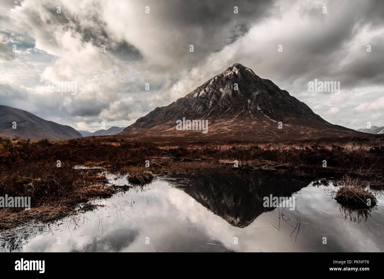 Buachaille Etive Mor Reflection in Loch, Glencoe Scotland - Stock Image
